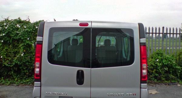 Vauxhall Vivaro O S Bonded Rear Door Window In Green