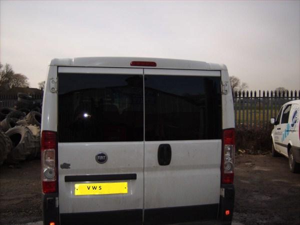 peugeot boxer 2007 onwards n/s rear door bonded window in privacy